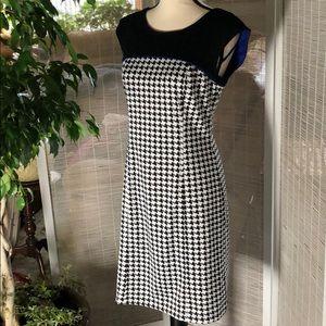 Spense sleeveless Midi Pencil Dress